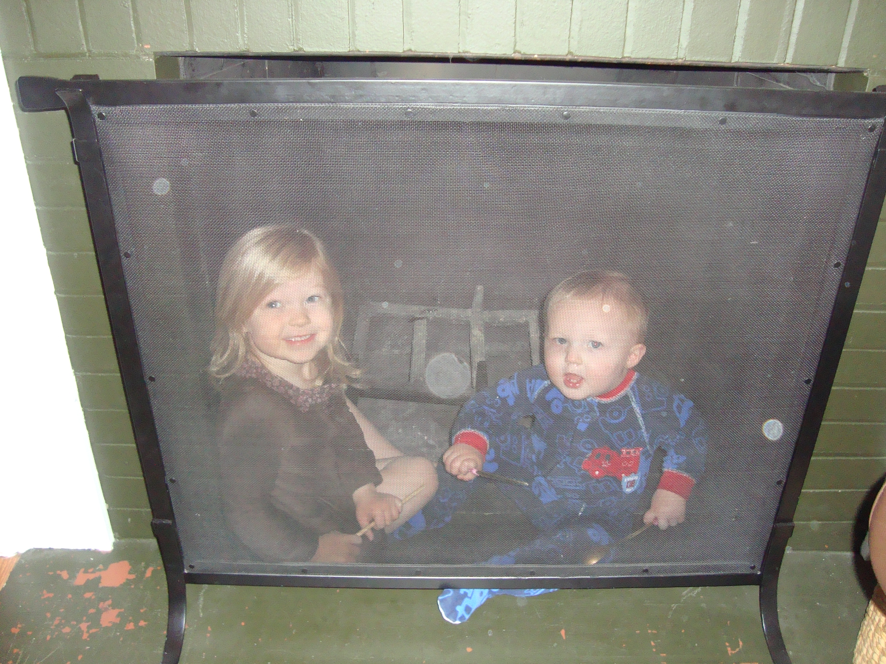 A new hiding place! (thank goodness for the flash or else you wouldn't have even seen them!)