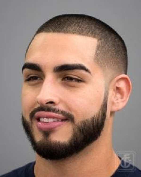 bağlı sakal saç kesimi ile şekillendirilmiş buzz kesim - Erkek Saç Modelleri 2019