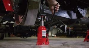 Strongway Hydraulic Bottle Jack