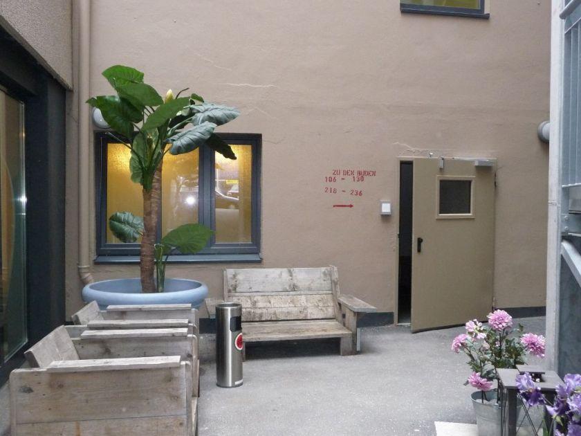 hamburg lieblingspl tze finding hummingbirds. Black Bedroom Furniture Sets. Home Design Ideas