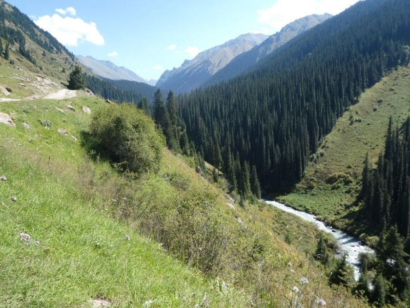 Wanderung ins Altyn Arashan Tal Kirgistan