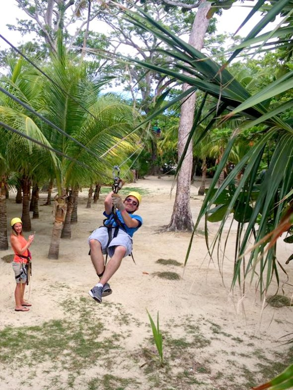 things to do in Roatan zip-line