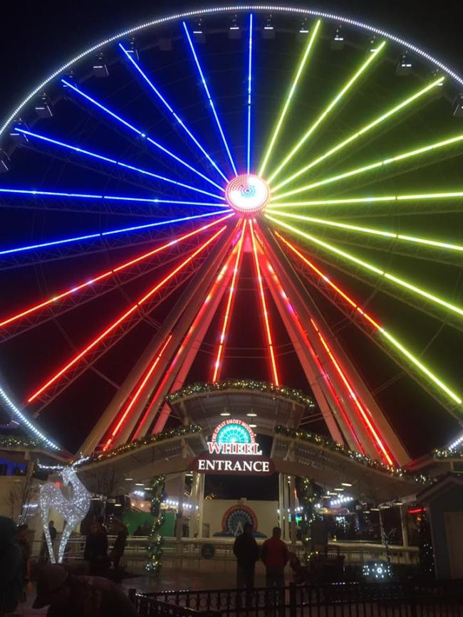 A weekend in Pigeon Forge Tennessee: ride the Ferris Wheel at the Island
