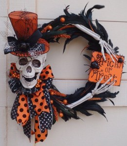 Inspiration for my DIY Halloween wreath.