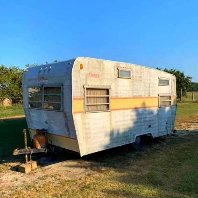 Meet Jenny: A 1969 Vintage Zipper Camper trailer