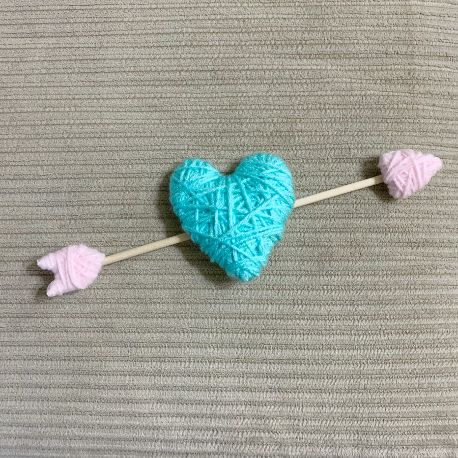 Yarn wrapped heart for Valentine wreath.