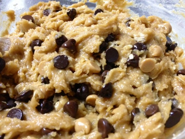 peanut butter oatmeal choc chip cookies dough
