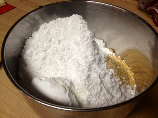 reeses peanut butter bars powdered sugar