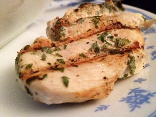 Fresh Herb Grilled Chicken | A super easy weeknight dinner, this grilled chicken with fresh herbs is delicious and healthy, using some white wine and fresh herbs for maximum flavor. A perfect easy dinner recipe, healthy dinner recipe for any day. #herbs #grilled #chicken