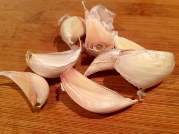 creamy garlic mashed potatoes garlic cloves