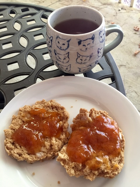 healthy-scones-for-one-person-with-tea