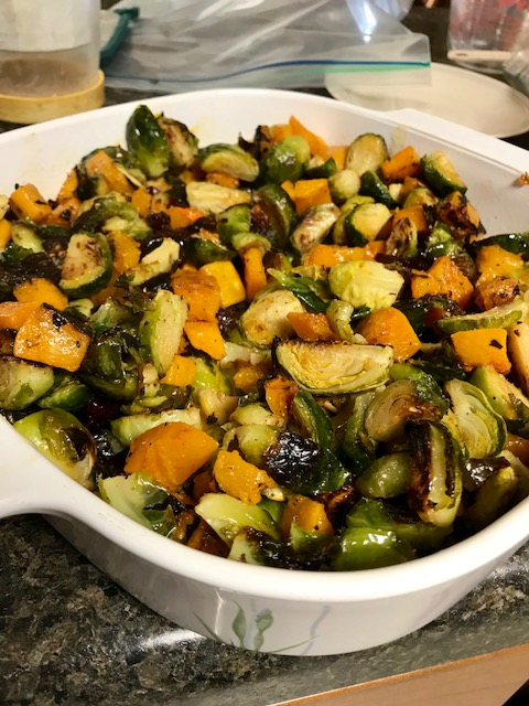 Roasted brussels sprouts & butternut squash with dijon vinaigrette | perfect holiday side dish, make ahead side dish for Thanksgiving, healthy side dish recipes, delicious and healthy #brusselssprouts #butternutsquash #sidedish