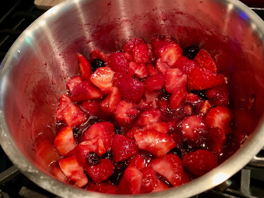 balsamic berries to top the pavlova