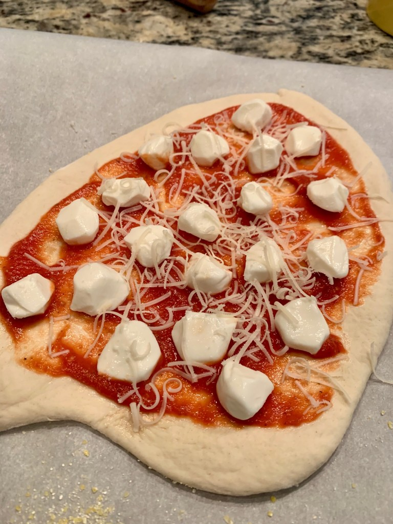 Simple pizza sauce recipe for margherita pizza