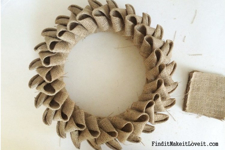 DIY Petal burlap wreath (7)