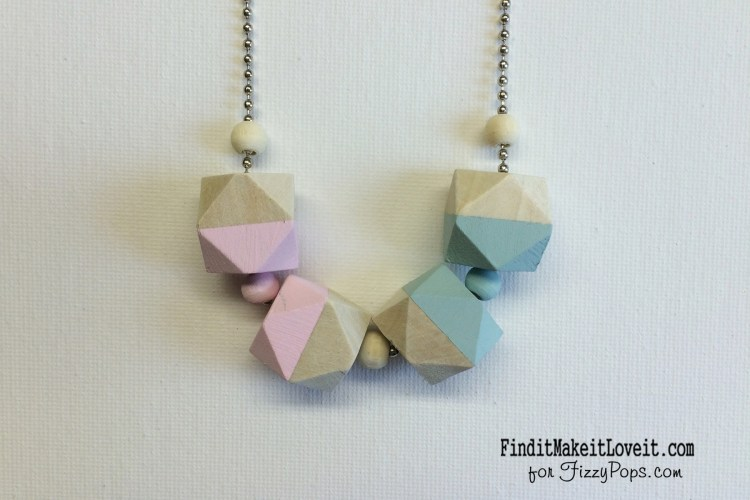 Color block wood bead necklace