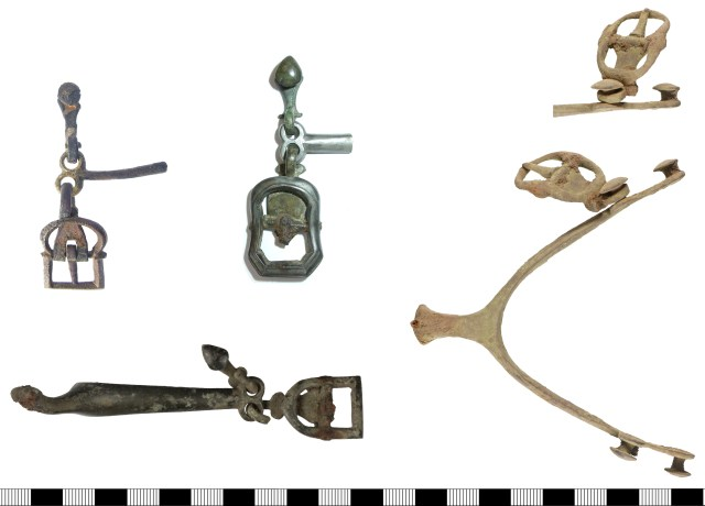 Post-medieval spurs with buckles surviving. Left: hooked plates attached to loop terminals (LON-63444A, DENO-846943 and (below) WILT-ACE4B5). Right: looped plate attached to riveted terminal (YORYM-BAC257).