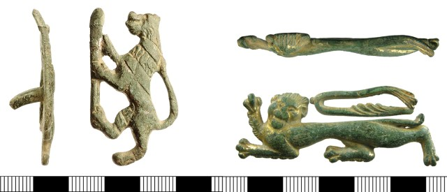 Heraldic lion badges IOW-C796F1 and HAMP-A18340