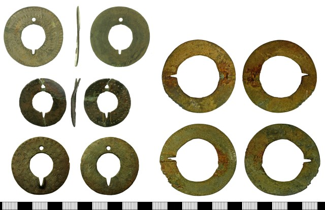 Quoit brooches from the PAS database. Left, top to bottom: BH-8E9C92, BH-780DA1, FAJN-03B792. Right, top to bottom: NARC-63CBFD, NARC-63FA58.