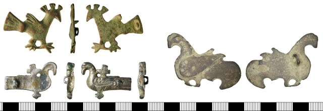 Bird-shaped brooches. Top left: Weetch type 30.A (SF-1A4104). Bottom left: Weetch type 30.B (BH-9F86A6) Right: Weetch type 30.C (DENO-484737).