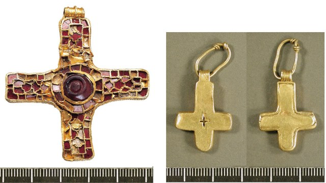 The Holderness Cross (YORYM214) and the Newball Cross (LIN-75FD54)
