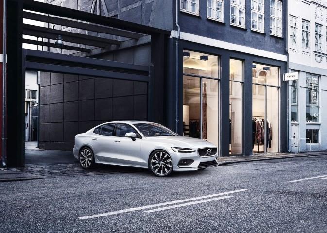 2020 Volvo S60 Hybrid Sedan Reviews