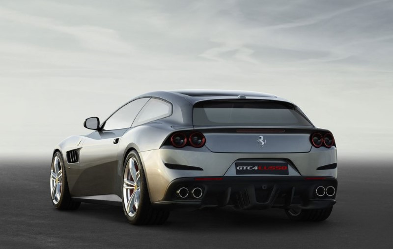 2020 Ferrari Purosangue SUV Hybrid