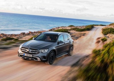 Read more about the article 2020 Mercedes-Benz GLC 300 AMG Line Review | Specs, Price & More
