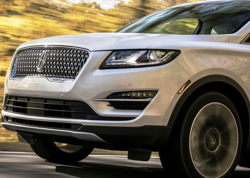 2020 Lincoln MKC Hybrid Performance & MPG