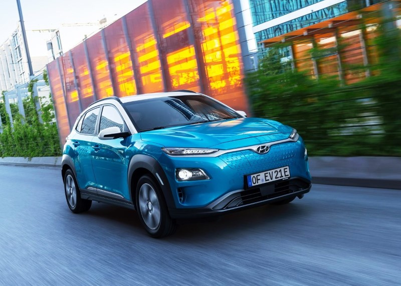 2020 Hyundai Kona Electric VS Tesla Model S