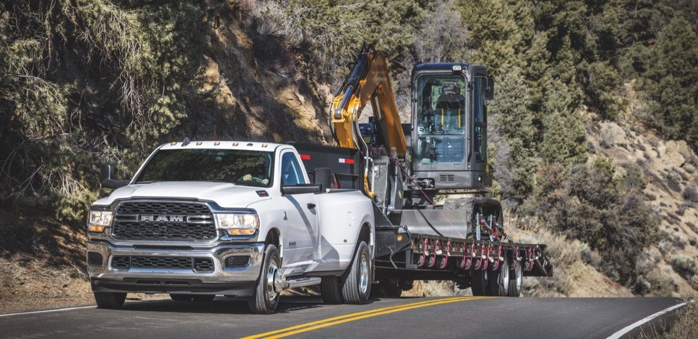 2021 RAM 3500 Towing a Heavy Tools