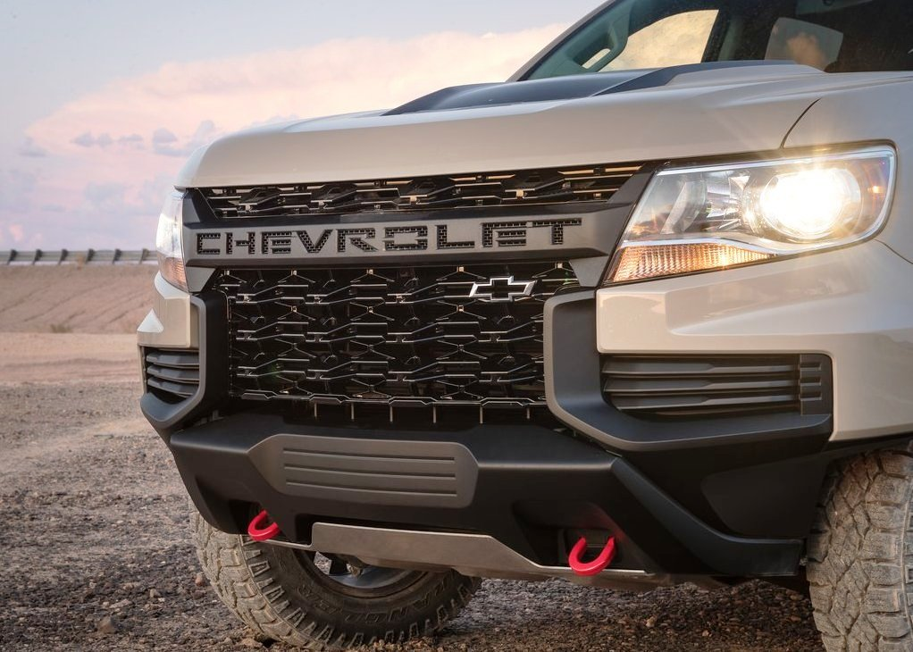 2021 Chevy Colorado ZR2 New Headlamp and Grille