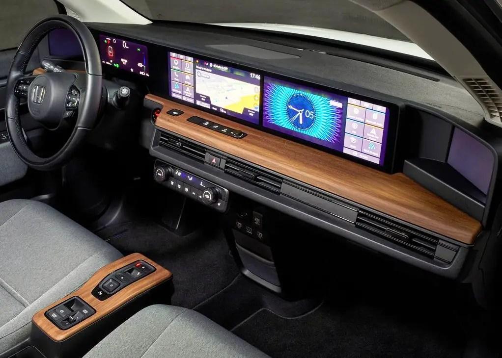 2021 Honda E Interior Dashboard