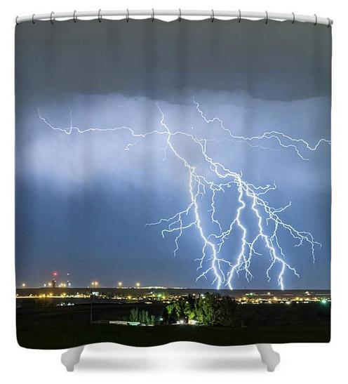 Northeast Colorado Lightning Strike And City Lights Shower Curta