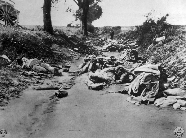 World War I, Dead German Soldiers Photograph by Everett