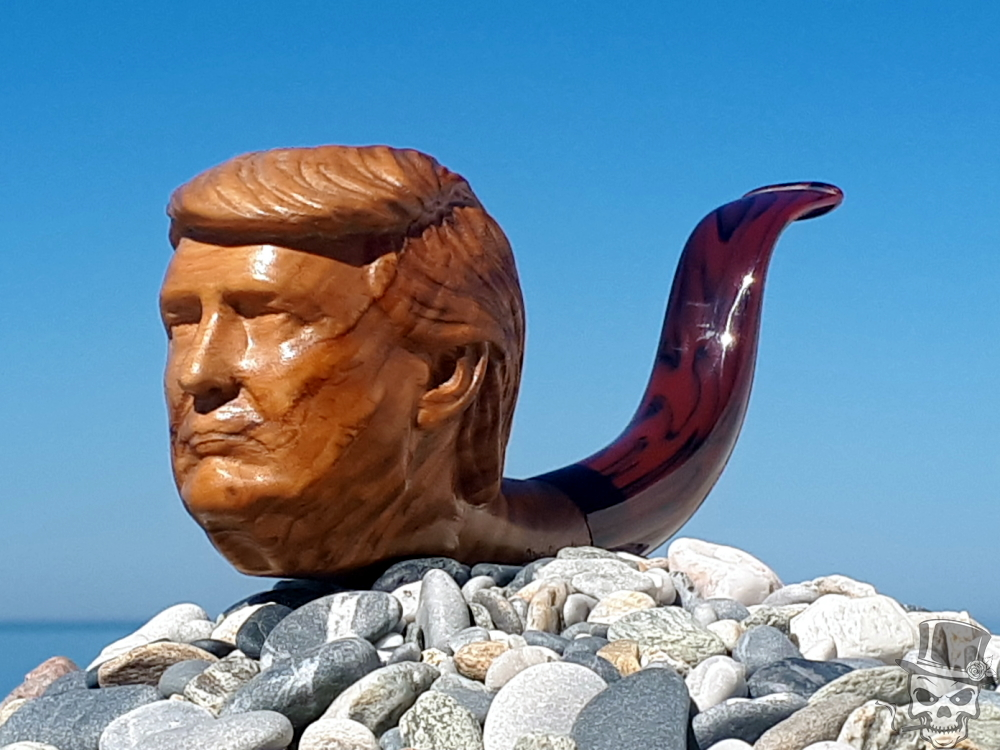 M-139d – US President Donald Trump – Olive Wood Tobacco Smoking Pipe
