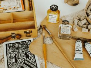 oil vs acrylic paint
