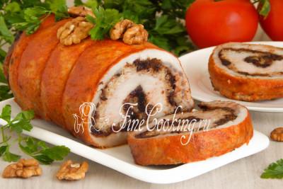 Рулет из свинины с черносливом и орехами - рецепт