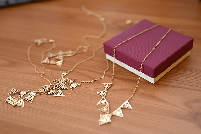 do not go jewelry shopping until you read this - Do Not Go Jewelry Shopping Until You Read This