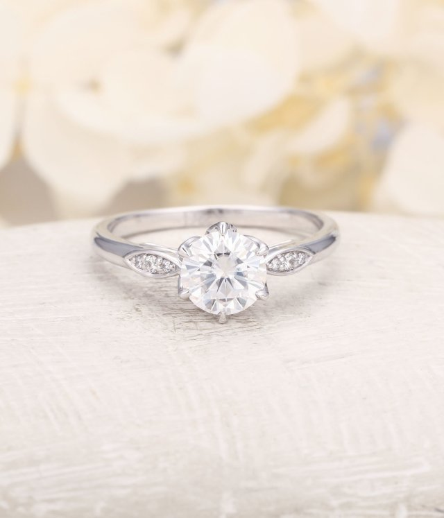 Moissanite Engagement Ring White Gold Engagement Ring Vintage Diamond Wedding Women Simple Antique Bridal Flower Anniversary Gift For Her Fine Jewelry Ideas