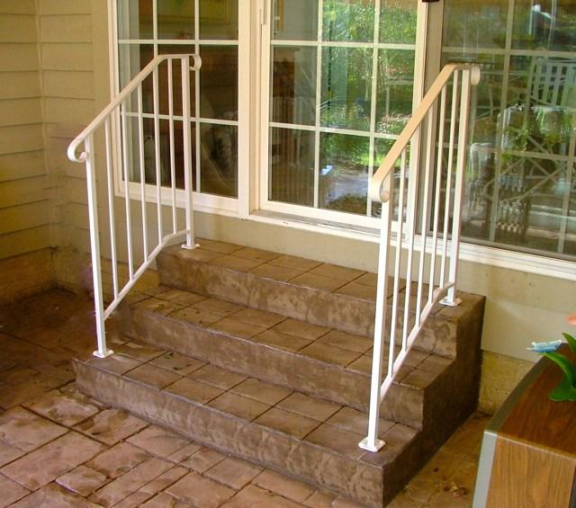 Step Railings Finelli Ironworks | Outside Porch Step Railings | Wrought Iron Railings | Stair Stringers | Vinyl Railing | Concrete Steps | Railing Ideas