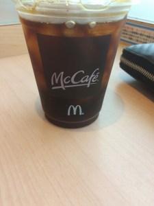 本文とは何も関係ありませんが、今日は朝早く起きたので出勤前の寄り道。アイスコーヒーだけ!!WW