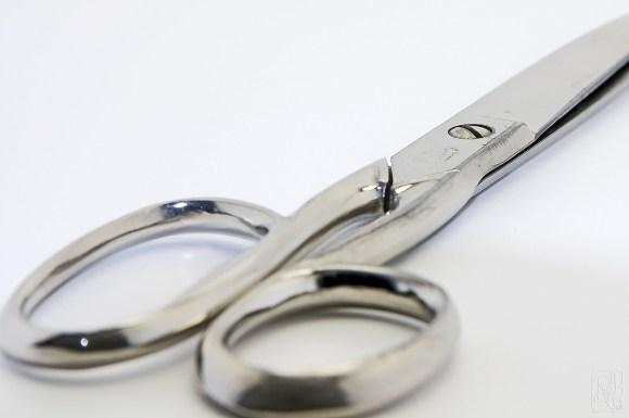 scissors-1126805_1920