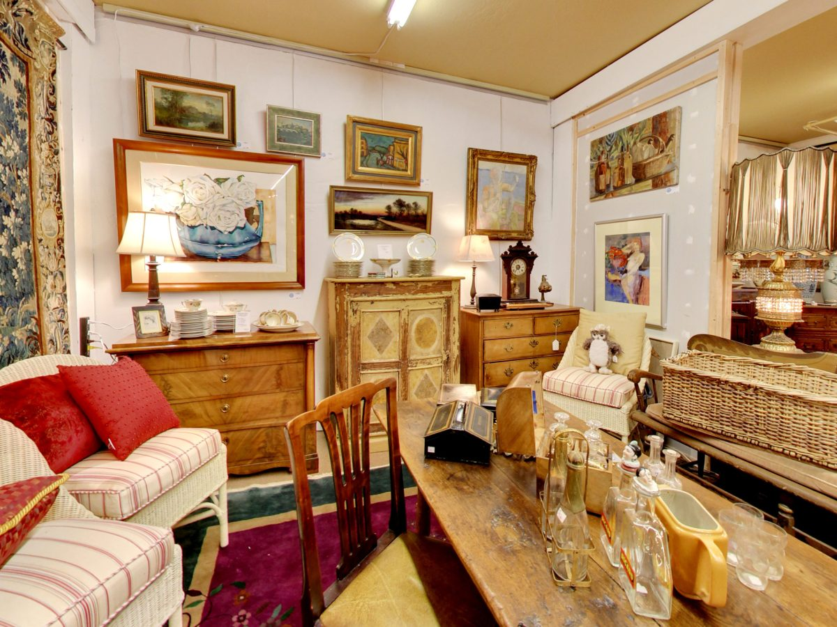 Interior of the Fine Estate, Inc. Estate Showroom