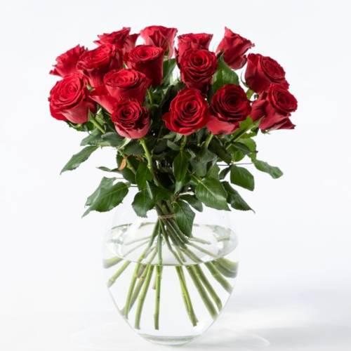 15 røde roser - gavetips til bryllupsdagen