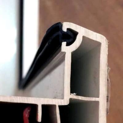 Резиновый силиконовый оконный уплотнитель черный на окно ПВХ