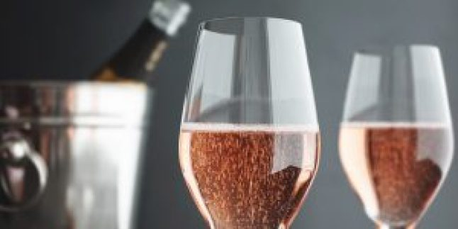 Is Champagne wine? Is Rosé Champagne really champagne?