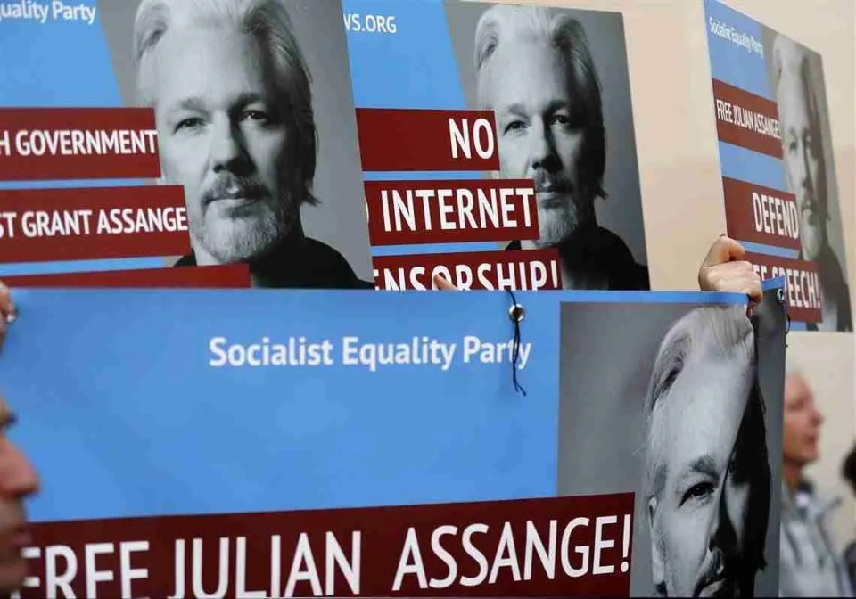 Swedish Prosecutors are Reopening the Rape Allegation Case Against Assange 10