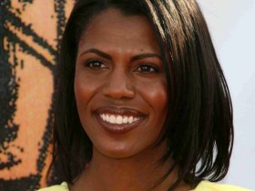"""Omarosa Fires Shots at President Trump saying He """"Wants to start a Race War."""" 9"""