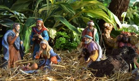 베들레헴에서 구유에 누우신 예수님을 경배하는 동방박사들 - 생명의 떡
